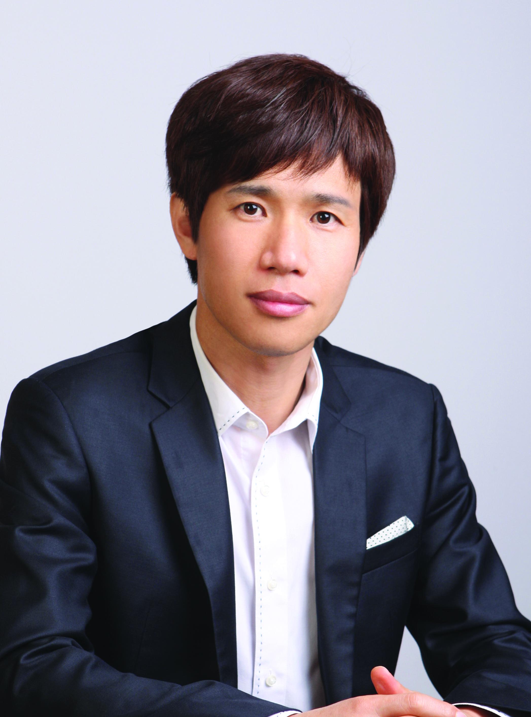 卢玄植 (Roh Hyun Sik)